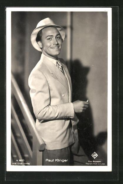 AK Schauspieler Paul Klinger mit Hut lächelnd zur Seite schauend