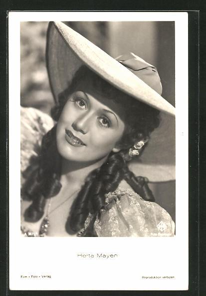 AK Schauspielerin Herta Mayen im tollen Kostüm mit Hut