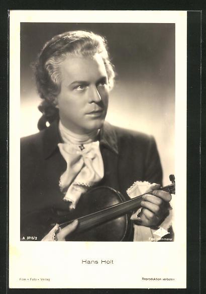 AK Schauspieler Hans Holt im Kostüm seiner Filmrolle mit Geige