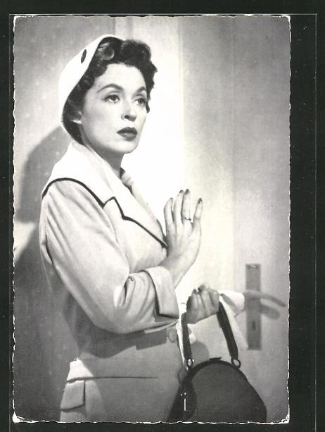 AK Schauspielerin Lilli Palmer mit Handtasche an einer Tür stehend