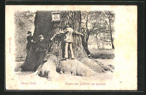 AK Dallwitz, Männer umspannen die Körner-Eiche