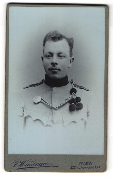 Fotografie J. Wiesinger, Wien, Portrait österr, Soldat in Uniform