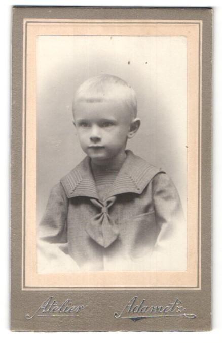 Fotografie Atelier Adametz, Wien, Portrait kleiner blonder Junge