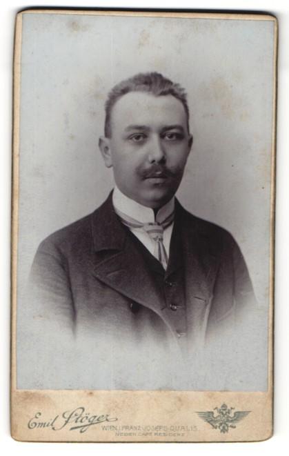 Fotografie Emil Stöger, Wien, Portrait bürgerlicher junger Mann