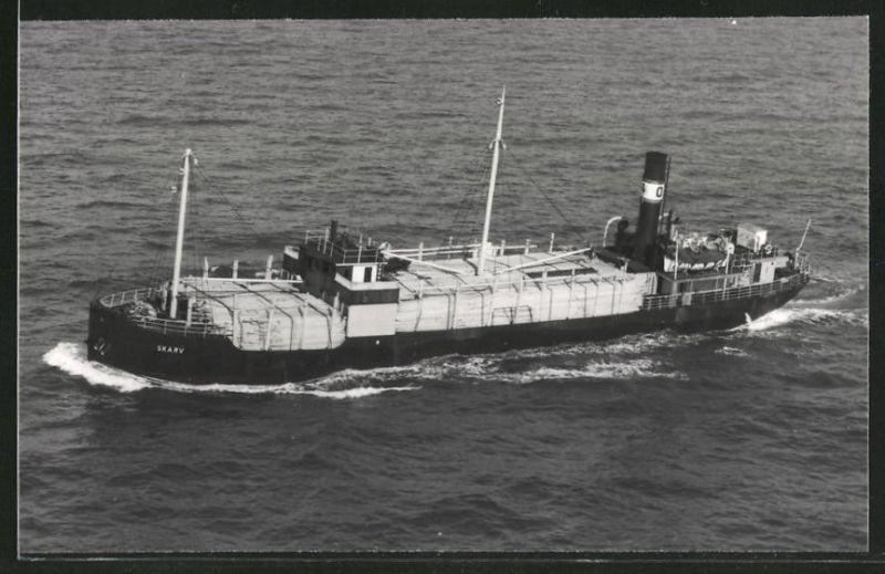 Fotografie Frachtschiff Skarv voll beladen mit Holz