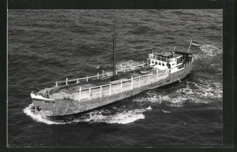 Fotografie Frachtschiff Wilja voll beladen mit Holz