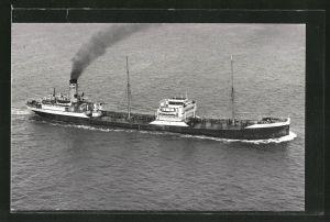 Fotografie Tankschiff Ionian Explorer in Fahrt