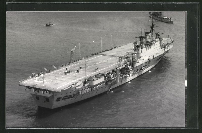 Fotografie Flugzeugträger HMS Eagle der Royal Navy