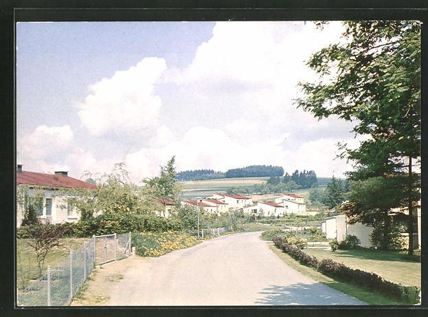 AK Mannsflur / Ofr., Strassenpartie in moderner Industriesiedlung 0