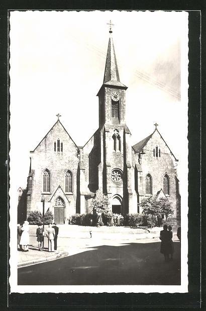 AK Quierschied, Strassenpartie an der Pfarrkirche 0