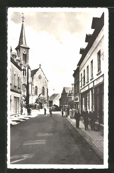 AK Quierschied, Marienstrasse mit Pfarrkirche 0