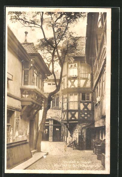 AK Neustadt, alter Hof in der Rathausstrasse