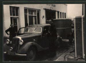 Foto-AK Mercedes Benz auf Tankstelle, BV-Oel