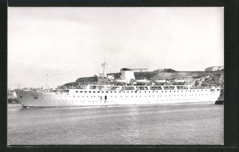 Fotografie Passagierschiff Delos liegt vor Anker