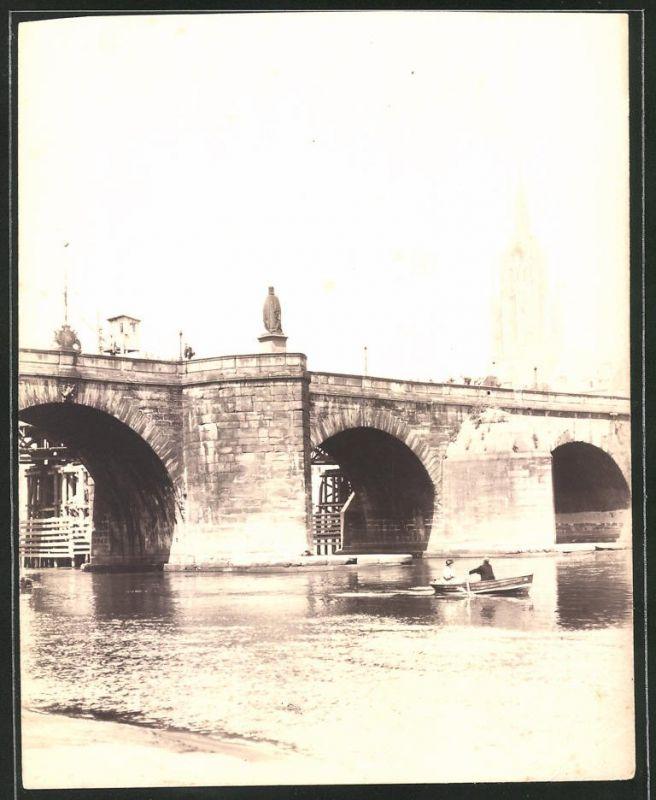 Fotografie Fotograf unbekannt, Ansicht Frankfurt / Main, Brückenpartie, Kaiserdom St. Bartholomäus im Hintergrund