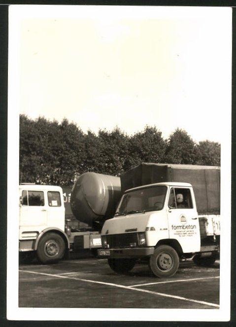 Fotografie Lastwagen Hanomag E45, Pritsche der Firma Formbeton