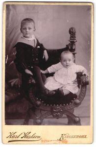 Fotografie Karl Karlson, Karlskrona, Portrait Bub und Kleinkind