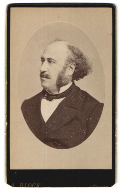 Fotografie A. Block, Paris, Portrait Herr mit zeitgenöss. Frisur