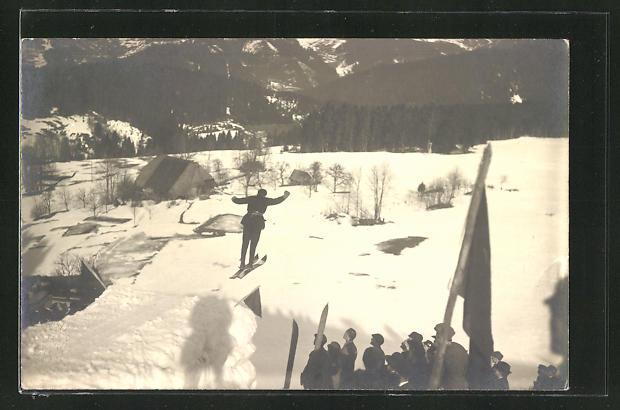 Foto-AK Mann beim Skispringen