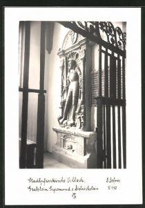 Foto-AK Adalbert Defner: Villach, Stadtpfarrkirche, Grabstein Sigismund von Dietrichstein