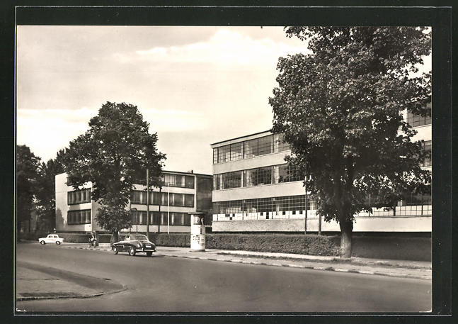 AK Dessau, Bauhaus mit Litfasssäule