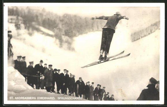 AK St. Andreasberg / Oberharz, Auf der Sprungschanze, Skispringer, Wintersport