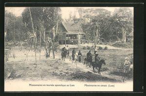 AK Laos, Missionnaires en tournee apostolique