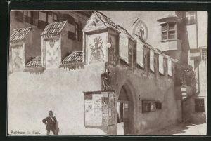 Foto-AK Fritz Gratl: Hall, Motiv vom Rathaus mit Anschlag