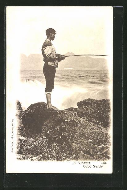 AK S. Vincente / Capo Verde, Angler am Ufer
