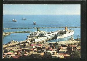 AK Puerto La Guaira, Schiffe am Passenger-Terminal