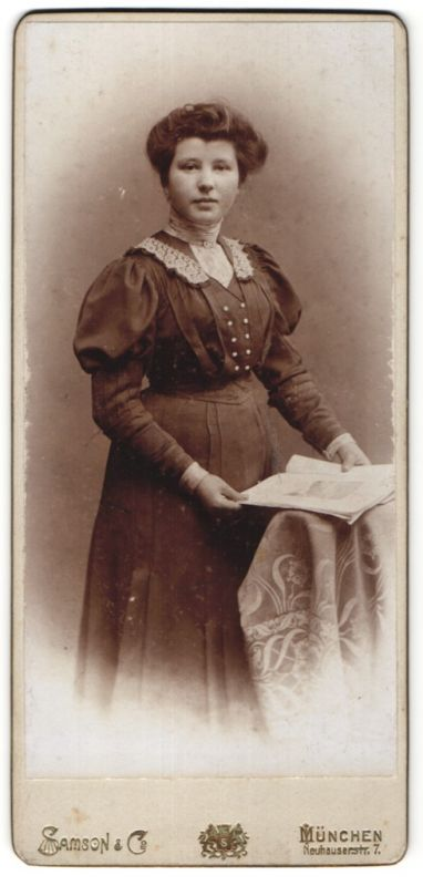 Fotografie Samson & Co., München, Portrait junge Dame mit Hochsteckfrisur