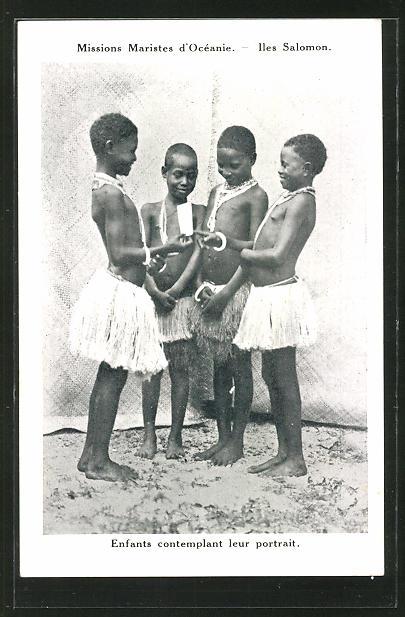 AK australische Volkstypen, Enfants contemplant leur portrait