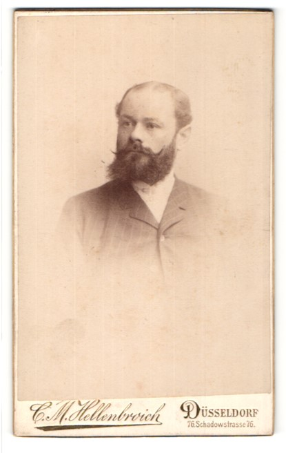 Fotografie C. M. Hellenbroich, Düsseldorf, Portrait Mann mit Vollbart