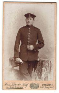 Fotografie Heinr. Schroeter, Dresden-N, Portrait Soldat in Uniform