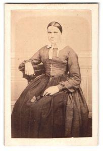 Fotografie Tiffereau, Paris-Grenelle, Portrait Maud mit Kopftuch