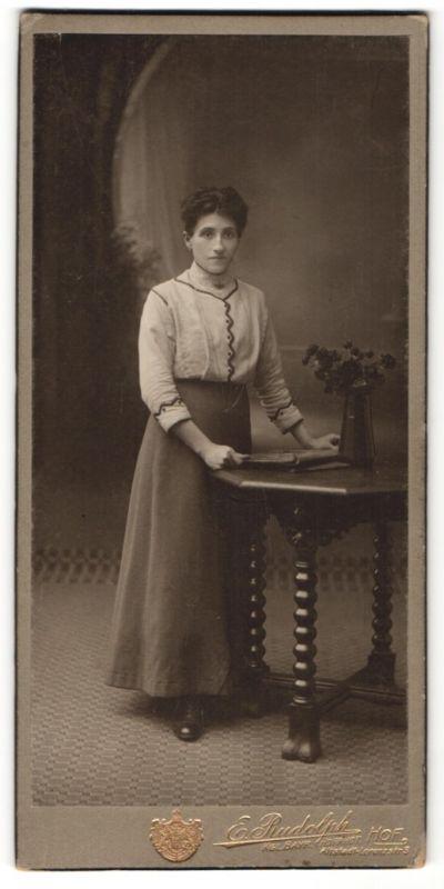 Fotografie E. Rudolph, Hof, Portrait bürgerliche junge Frau