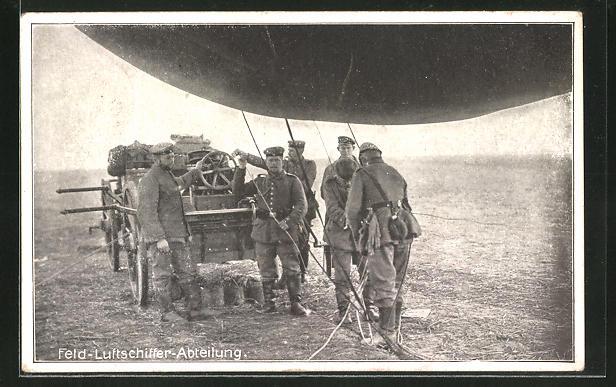 AK Soldaten der Feld-Luftschiffer-Abteilung befüllen einen Ballon
