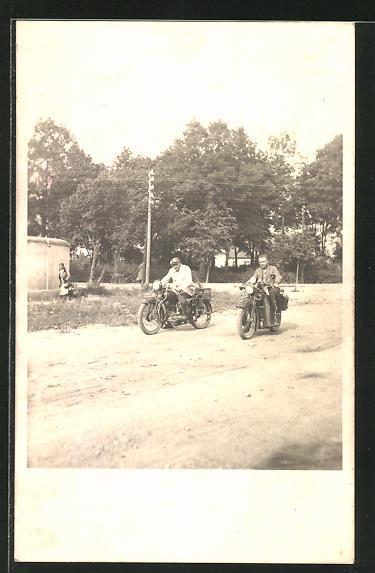 AK Männer auf NSU-Motorrädern