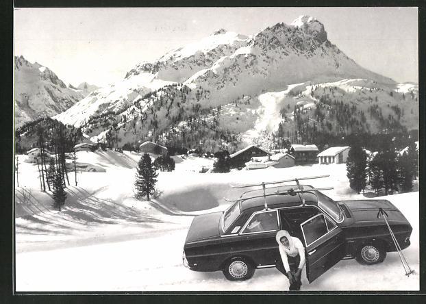 AK Auto der Marke Ford im verschneiten Gebirge
