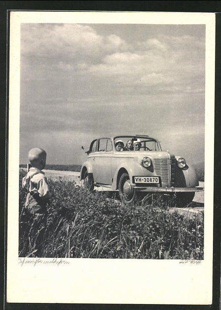AK Auto der Marke Opel unterwegs auf der Landstrasse