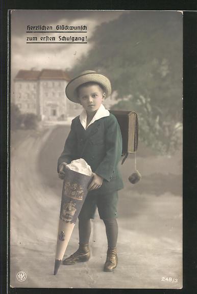 AK Knabe mit Hut, Ranzen und Schultüte am Schulanfang