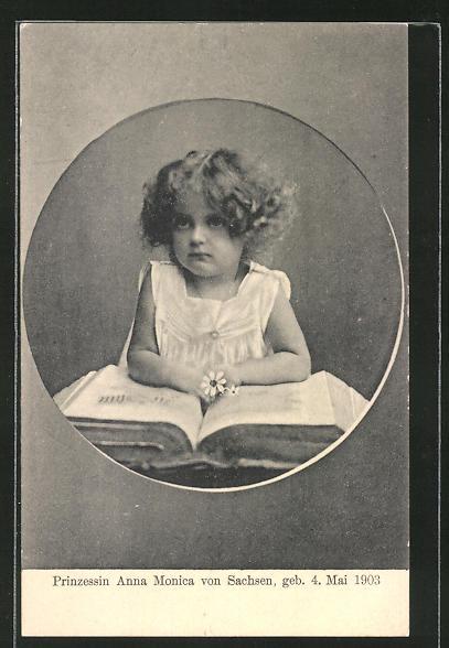 AK Prinzessin Anna Monica von Sachsen blättert in einem Buch