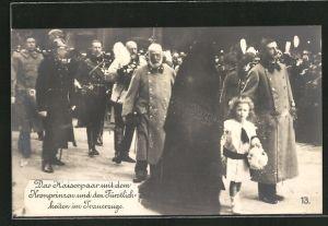 AK Das Kaiserpaar mit dem Kronprinzen und den Fürstlichkeiten im Trauerzuge, Kronprinz Wilhelm von Preussen