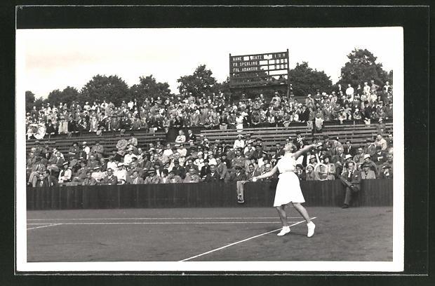 AK Tennis, Frl. Adamson im Spiel gegen Frau Sperling