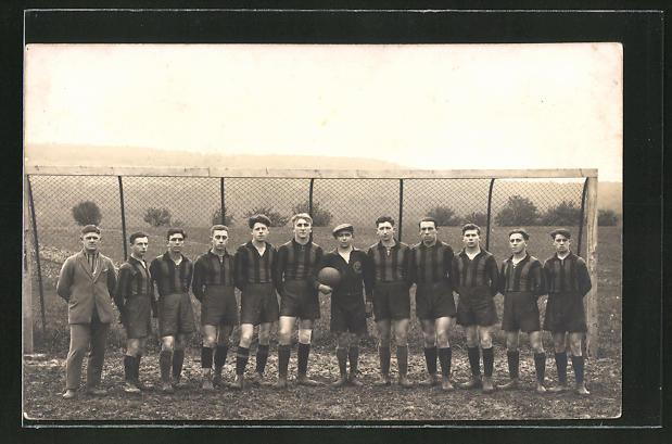 Foto-AK Maulbronn, Fussballmannschaft in Trikots