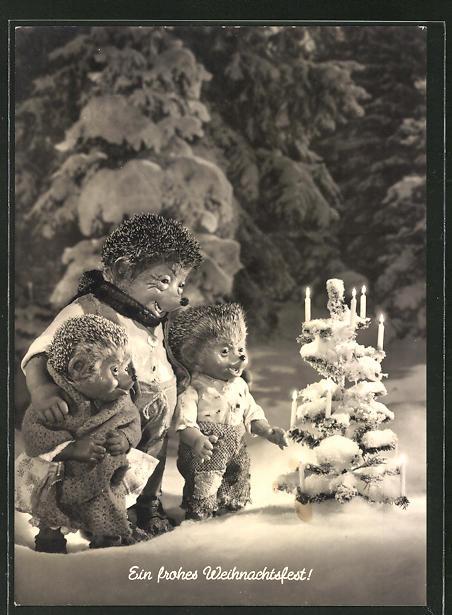 AK Mecki-Familie im schneebeckten Garten mit Weihnachtsbaum