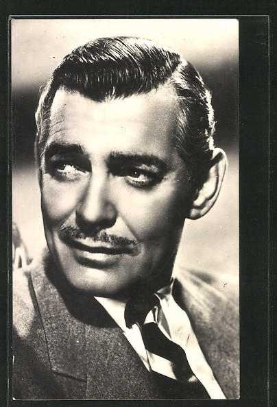 AK Schauspieler Clark Gable im Anzug zur Seite schauend 0