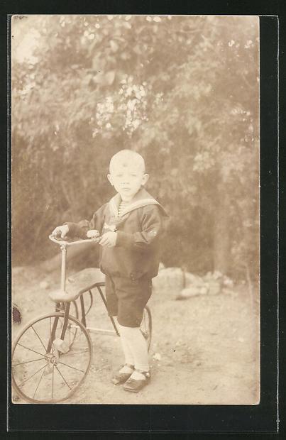 AK Junge im Matrosenanzug mit Dreirad