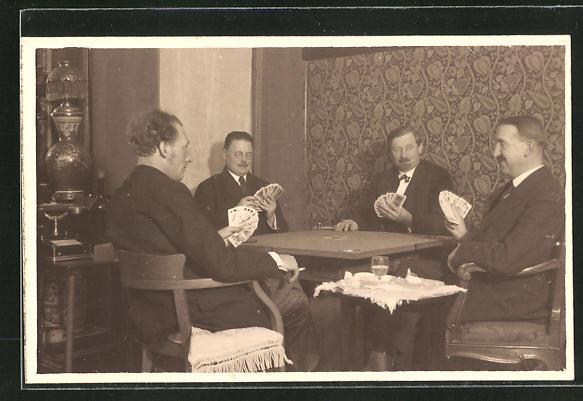 AK vier Männer beim Kartenspiel