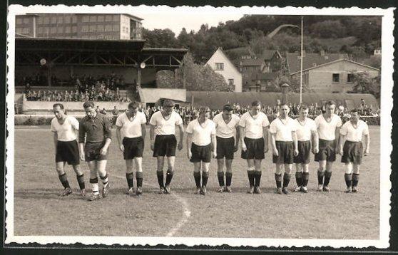 AK Wetzlar, Fussballmannschaft auf dem Spielfeld